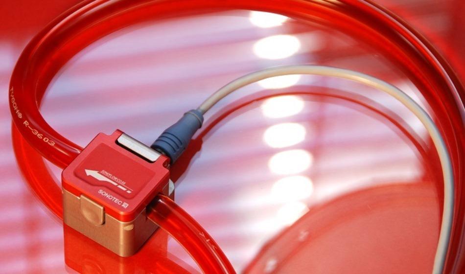 Flow meten in smalle flexibele buis - ultrasone clamp-on flowsensor - SONOFLOW CO.55